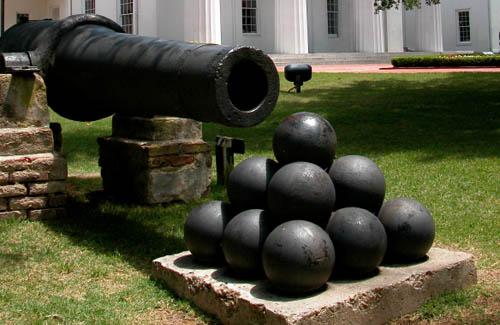 Newton's Cannon