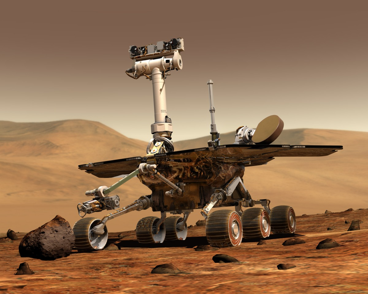 How can a Mars or moon habitat be made economicallyproductive?